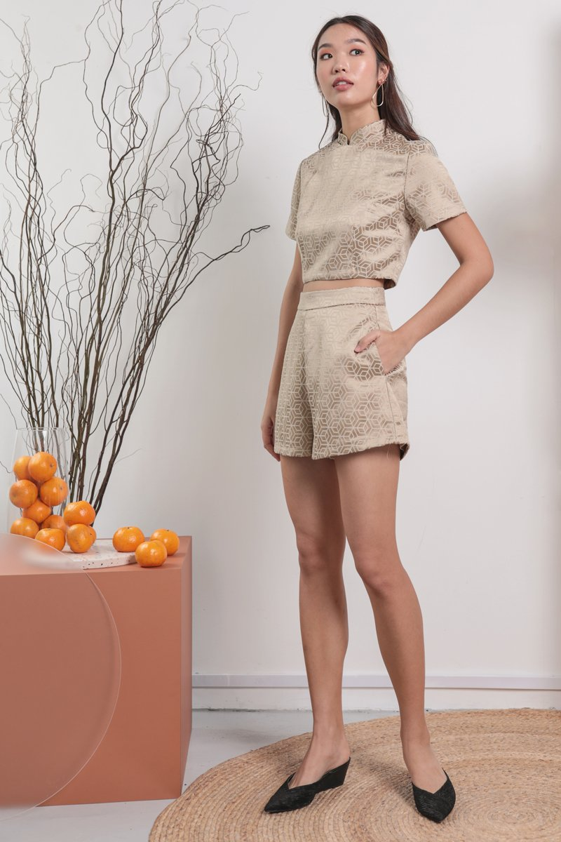 Milly Shorts (Oriental Gold)
