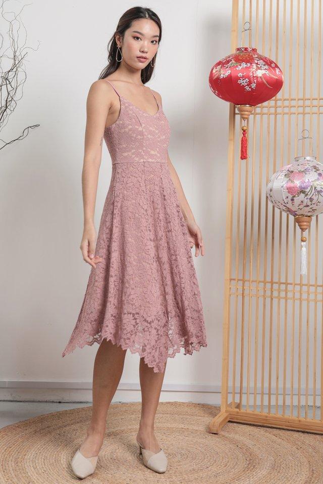 Halley Lace Dress (Blush Pink)