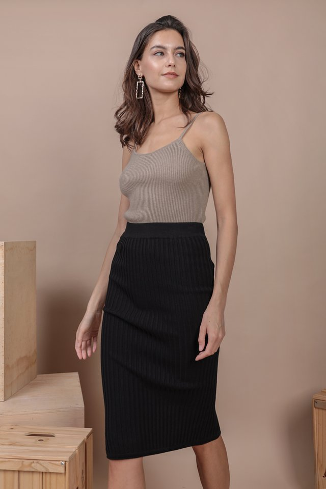 Walker Knit Skirt (Black)