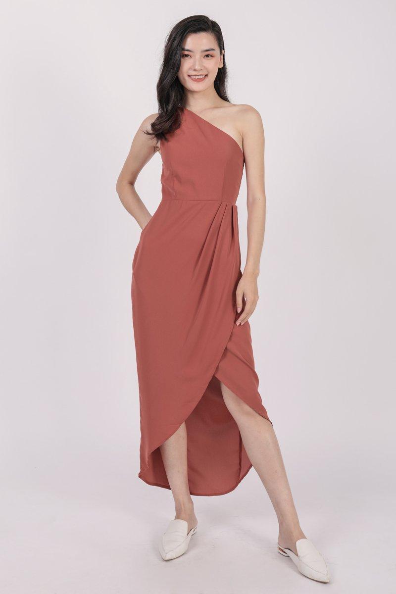 Ser Toga Dress (Redwood)