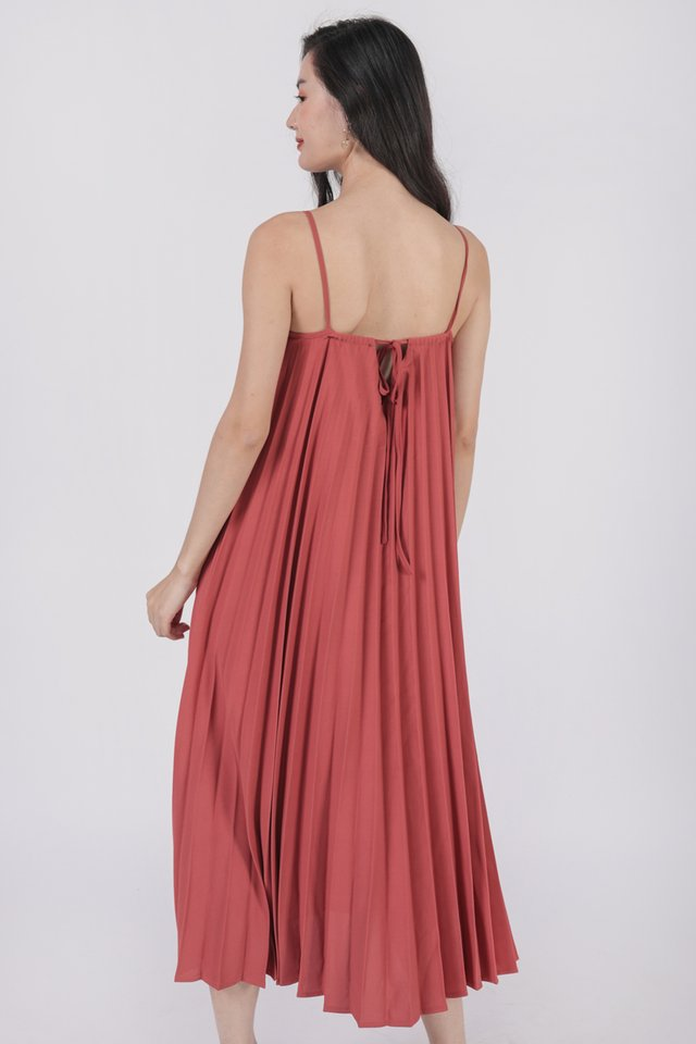 Adina Pleated Dress (Redwood)