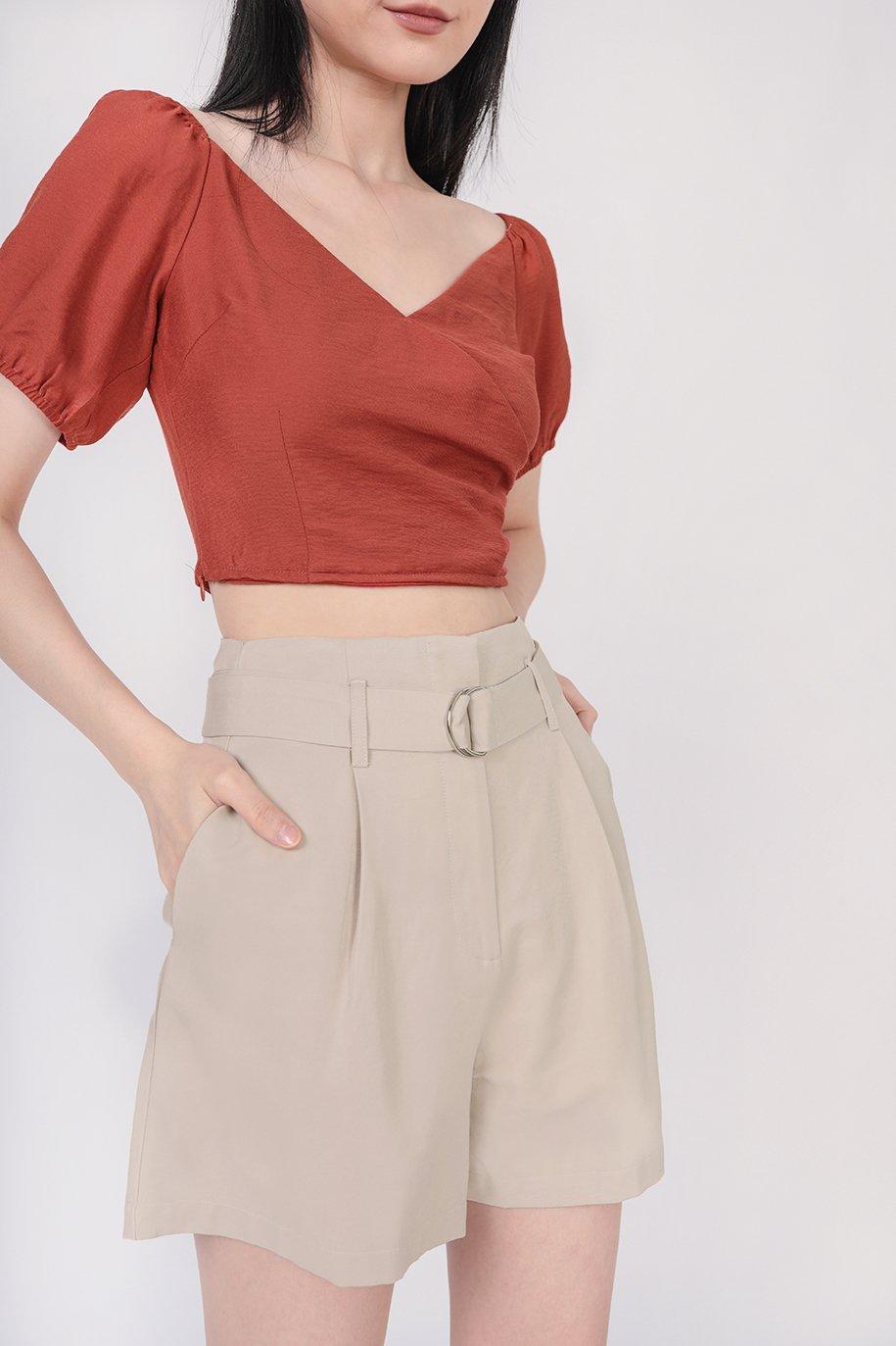 Harris Belted Shorts (Beige)