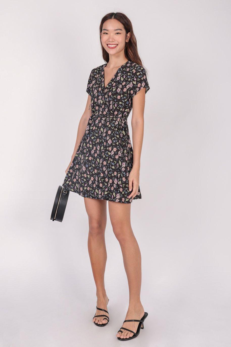 Remy Sleeved Dress (Black Petals)