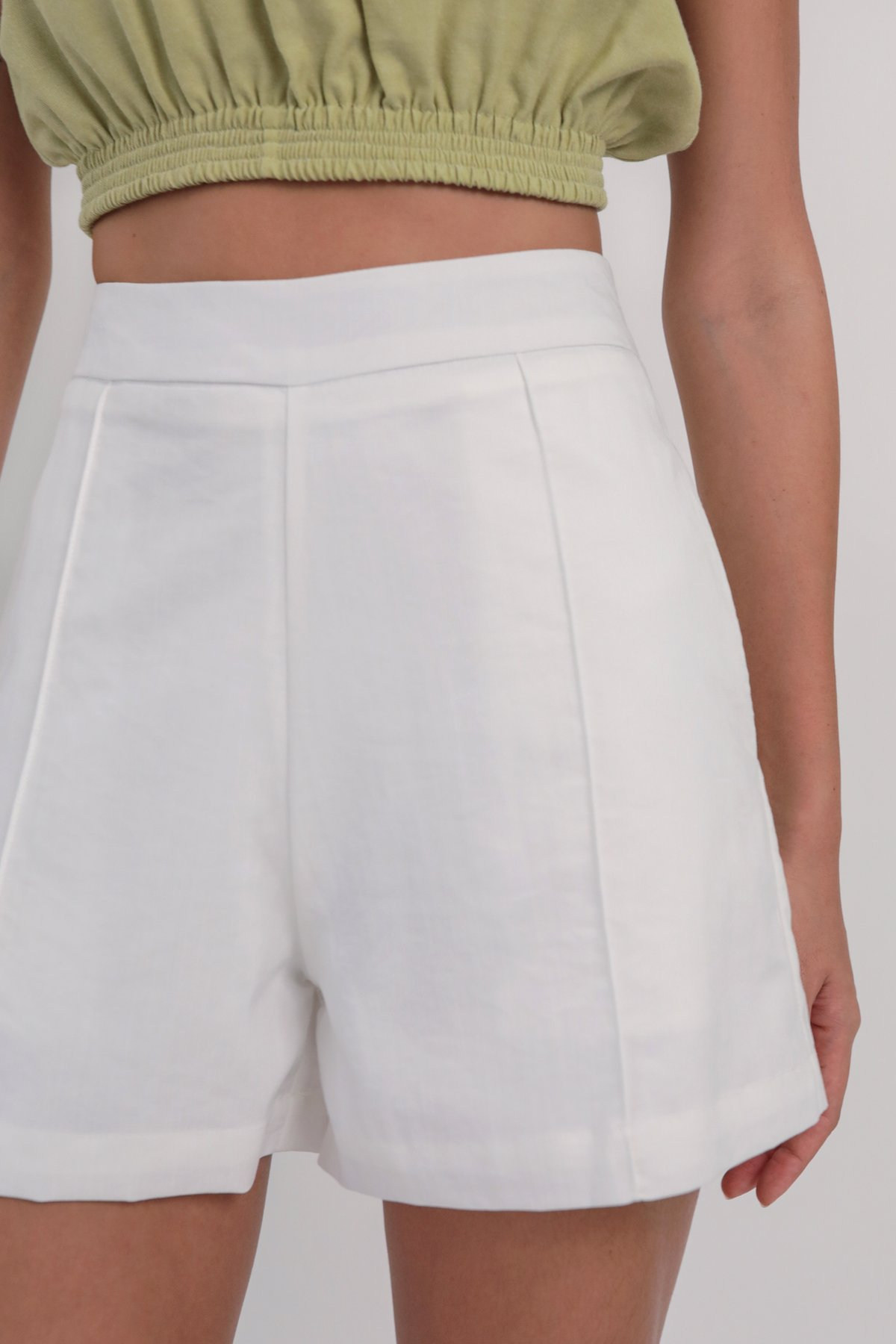 Mon Shorts (White)