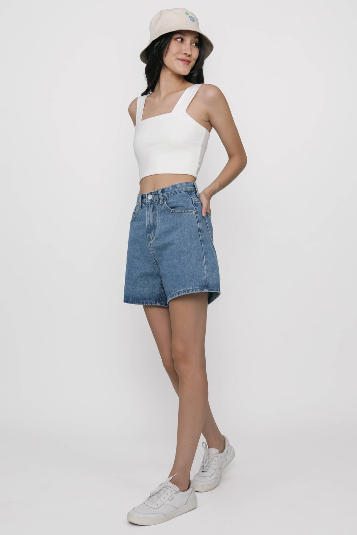 Abby Basic Cropped Top (White)