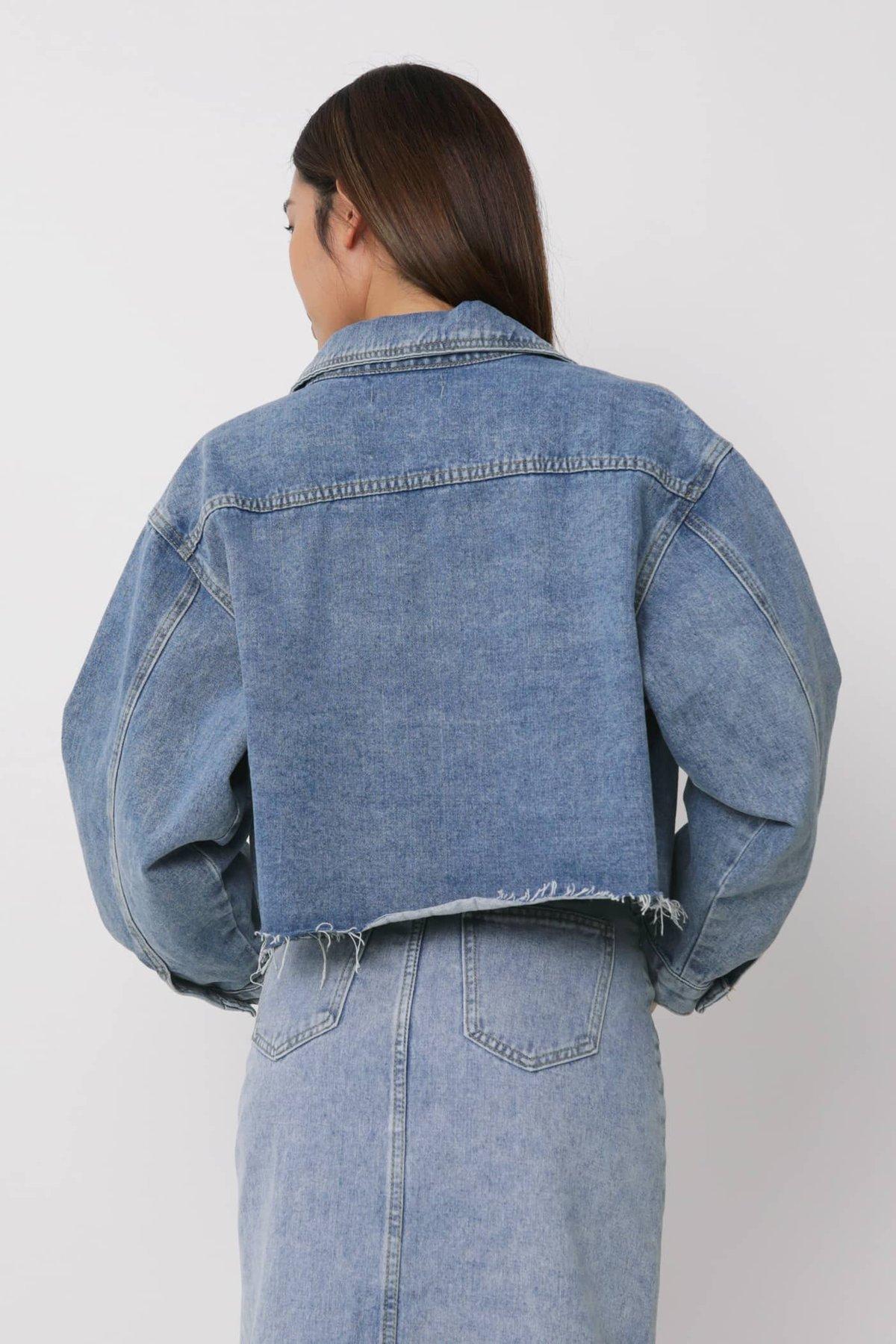 Joe Oversized Cropped Denim Jacket (Blue)